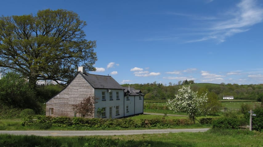 Period Farmhouse In A Peaceful Rural Setting