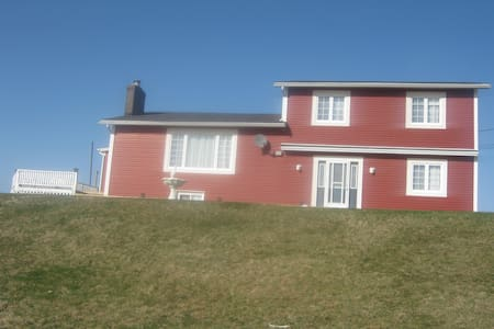 Large Home on Atlantic Ocean - Pouch Cove - Haus