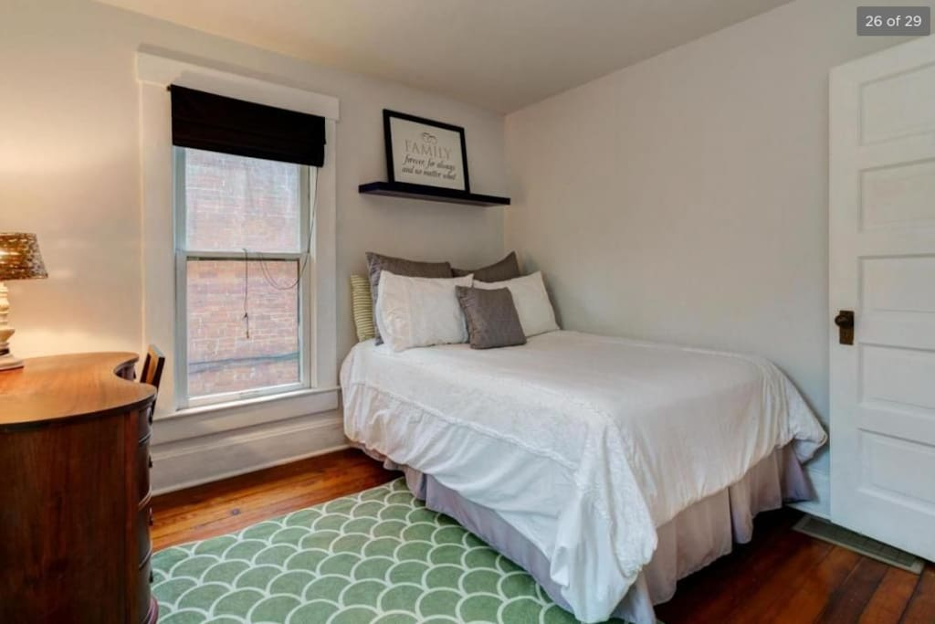 Sunny Bedroom with 2 big windows and double bed