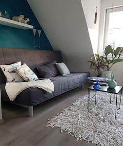 Gemütliche Dachgeschoss Wohnung im Süden Erfurts