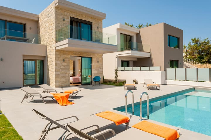 ELAND DREAM VILLAS                 VILLA  AIOLOS