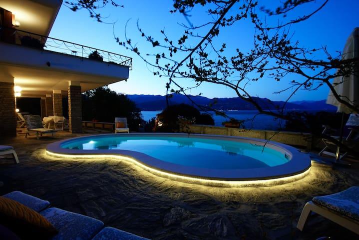 Stresa-La VolpeDorata-SuiteSmeraldo - Stresa - Bed & Breakfast