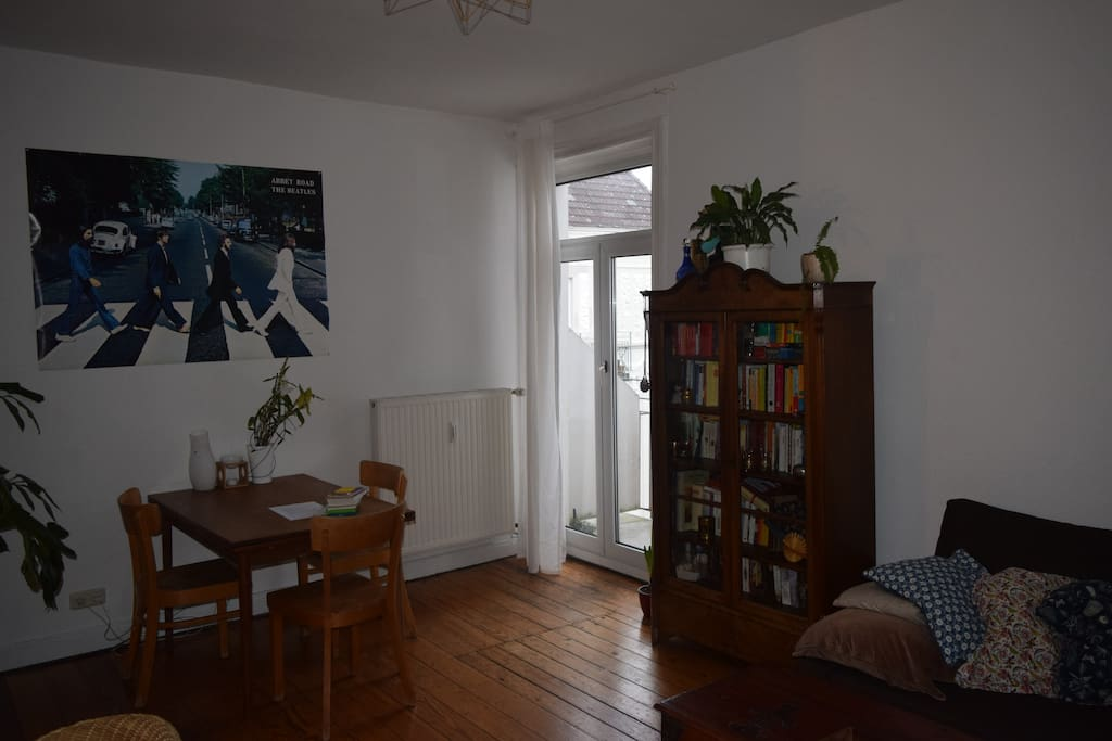 Dining corner with access to balcony