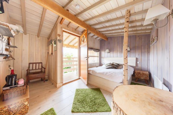 Cabane perchée de L'Ourson Blanc