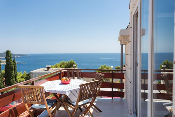 Charming home with a beautifull seaview
