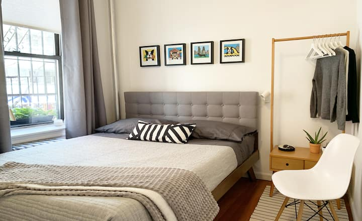 Cozy 1BR apartment just steps from Soho