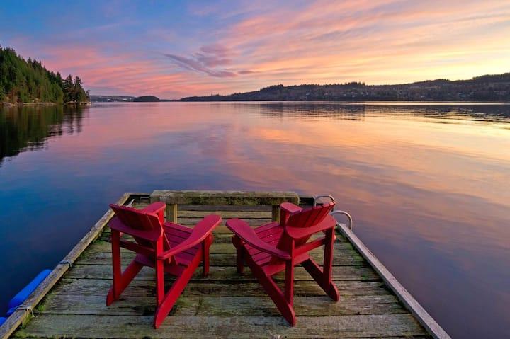 oceanside hot tub + sunsets = bliss