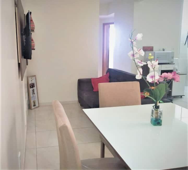 Apartamento completo e harmonioso N. Bandeirante