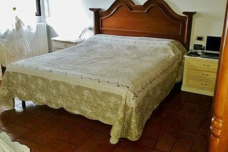 PRIVATE ROOM con ampio PARCHEGGIO - La Torre