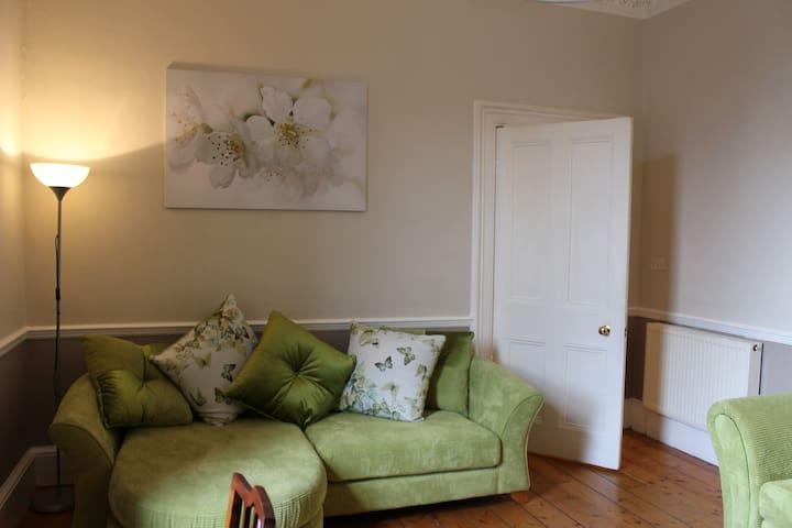 Lovely flat in heart of Stockbridge - Edimburgo - Apartamento