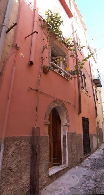 The exterior of the house in Via Sant'Ignazio.
