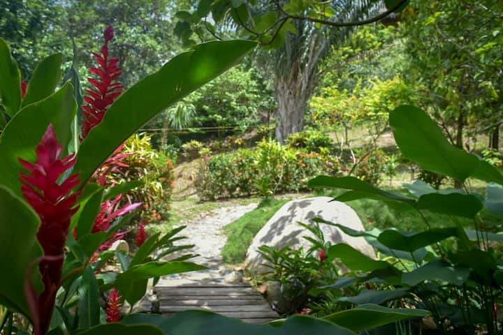 Bosques del Tayrona EcoHabs, cerca a Pueblito.