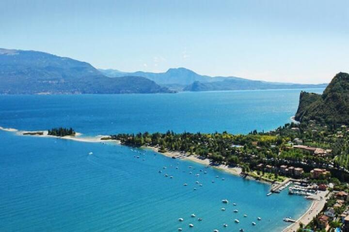 Garda Lake Lovers