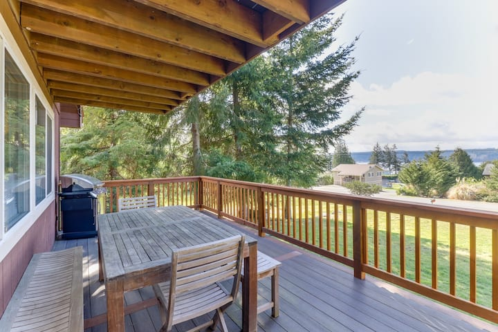 Charming home w/ two decks & views of Puget Sound - walk to the beach!