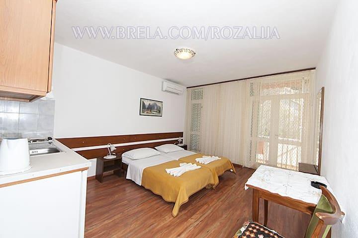 Studio apartment Rozalija nr.8 - Brela - Huis
