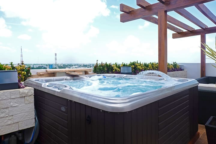 Luxury Suite in Modern Penthouse with Jacuzzi - Cancún - Apartament