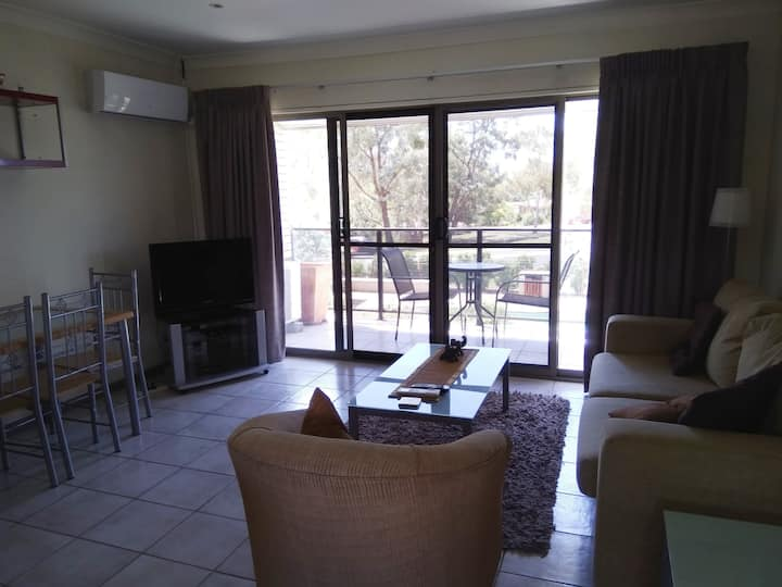 Light, Bright Two Bedroom Apartment - Weston Creek