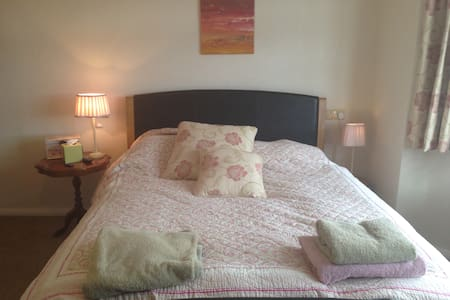 En Suite room with King size bed - Pickering