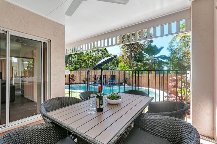3 Bed 3 bathroom villa with Pool v23 - Palm Cove - Villa