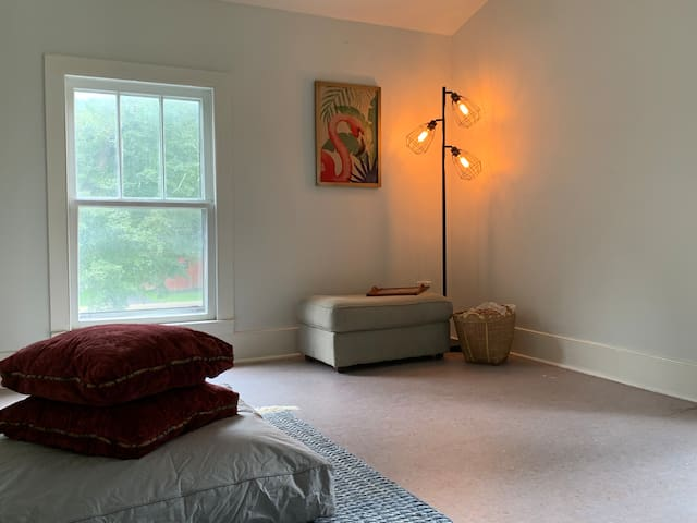 Open room on second floor. Perfect for meditation, yoga, and morning stretching.