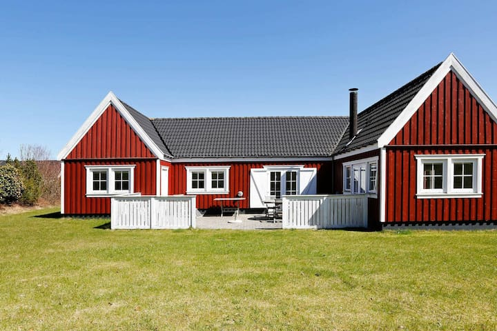 Spacious Holiday Home with Sauna in Vejby