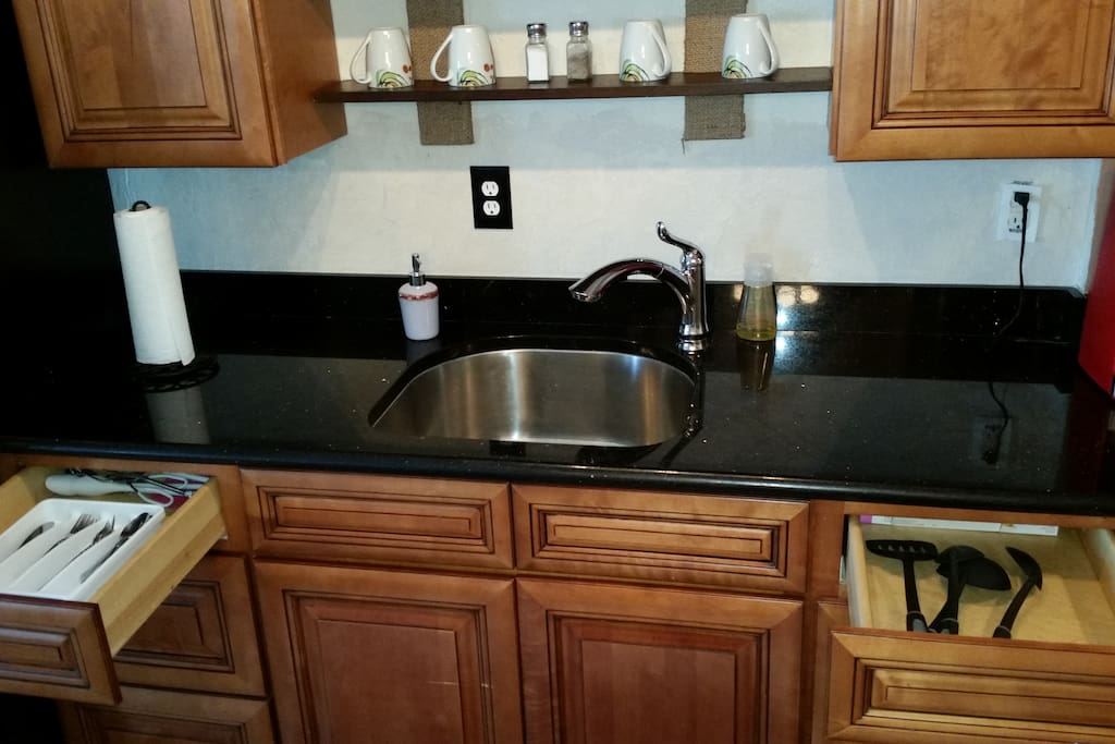 Granite countertops in the fully equipped kitchen