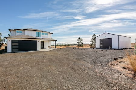 Bickleton Pines- Home on 80 acres