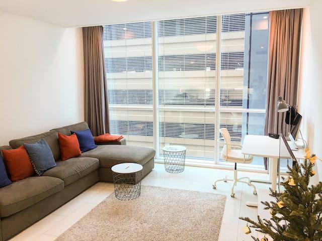 Modern 1 Bedroom Apartment | Luxury & Convenience