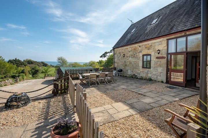Converted Barn in Coastal Location - Beachcombers