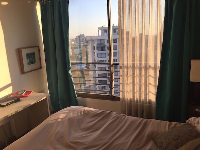 Habitación en suite, piscina - Las Condes - Apartamento