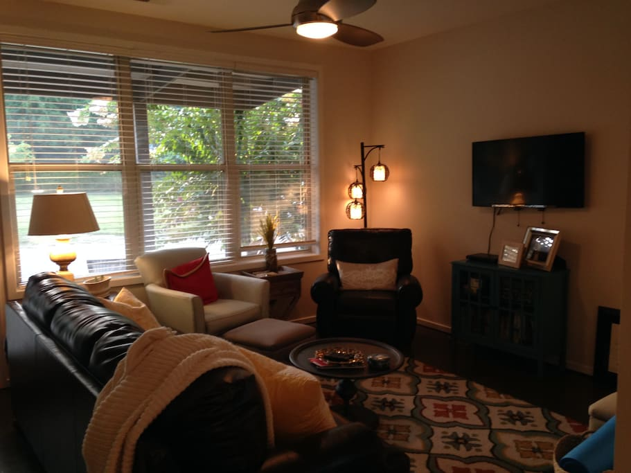 Living room with cable
