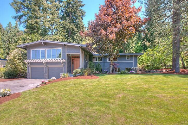 *Location*4216sqft with nice Garden - Bellevue
