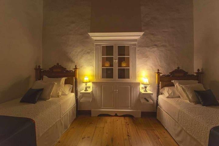 Villa Delmás - Habitación Amarilla