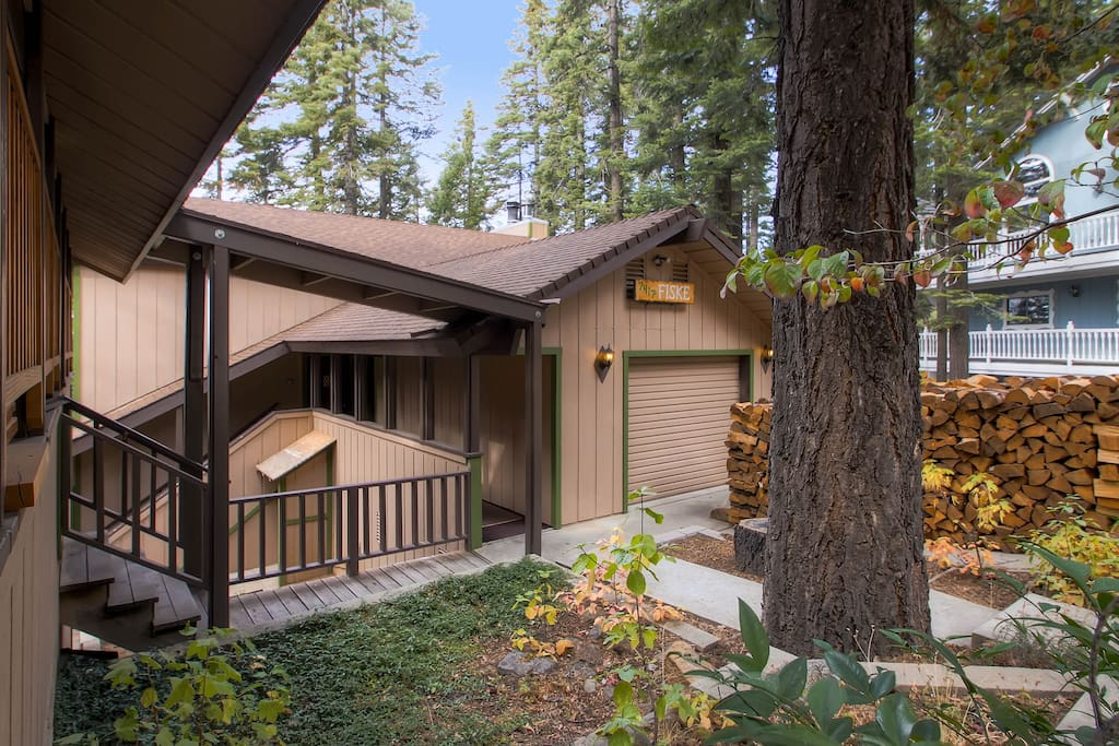 Yosemite 39 s fiske cabin houses for rent in yosemite for Yosemite national park cabin rentals