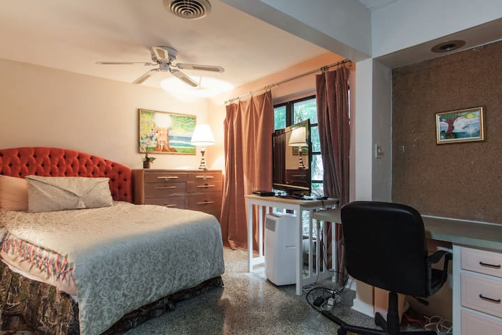 Cscape near Beach and  Mizner Park - Boca Raton - Maison