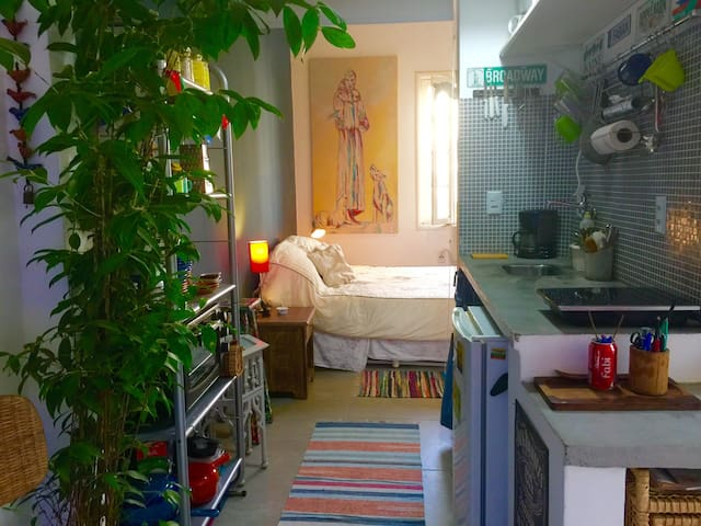 CHARMING STUDIO IN IPANEMA UP/TO 2