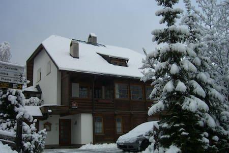 Ortisei Val Gardena appartamento con 4 locali - Ortisei - Cabaña