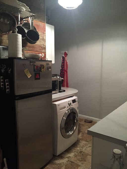 Kitchen w/washer & dryer