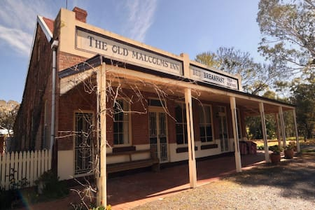 Old Malcolms Inn - Stuart Mill - Talo