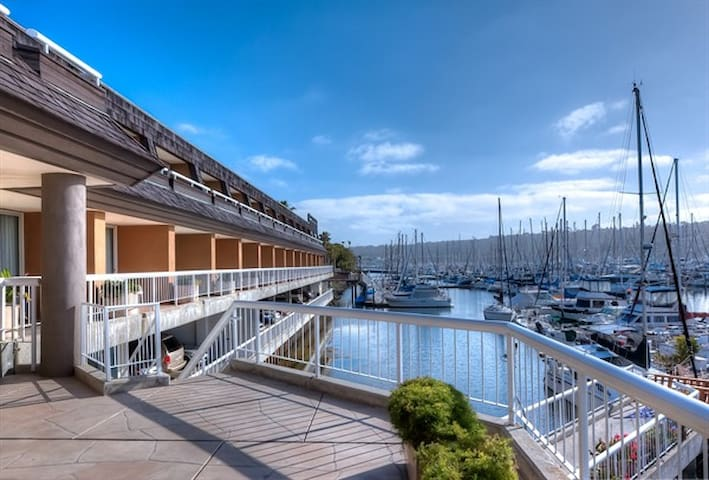 2 Queen Bedroom w/ Bay or Marina Views! - San Diego - Villa