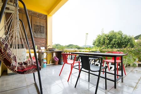 CANG ZANG Time Youth House, big bed room in F3 - Zhuhai - Willa