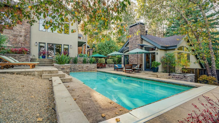 Sebastopol Luxury Home With Views, Pool & Hot tub