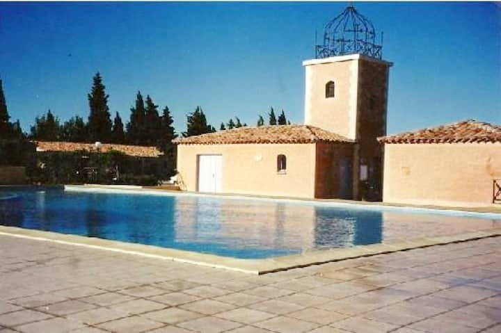 House with 2 bedrooms in Eyguières, with shared pool, furnished terrace and WiFi