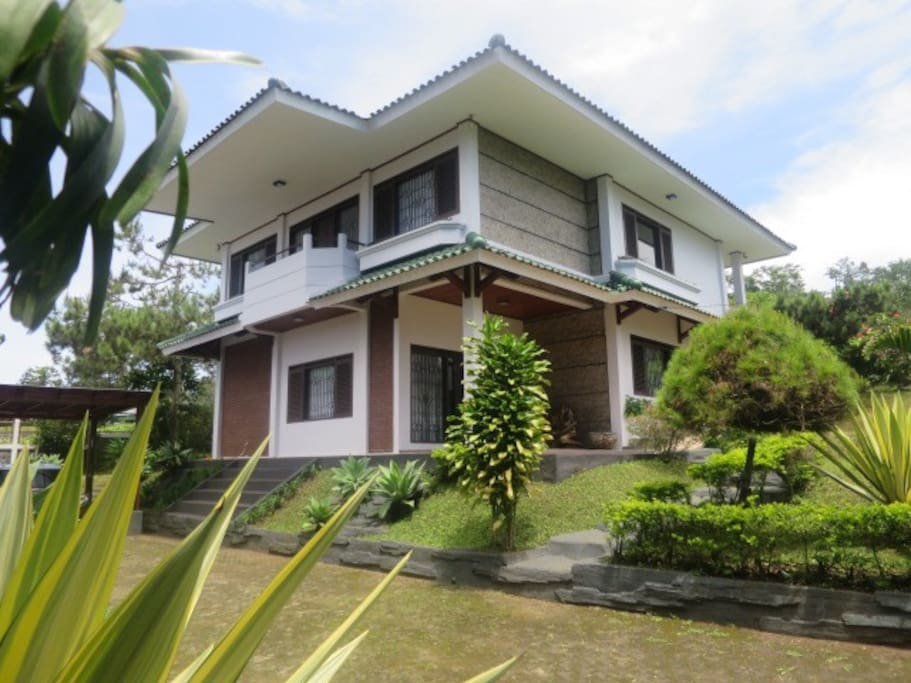 Villa Calista - Lembang Asri - Villas for Rent in Lembang