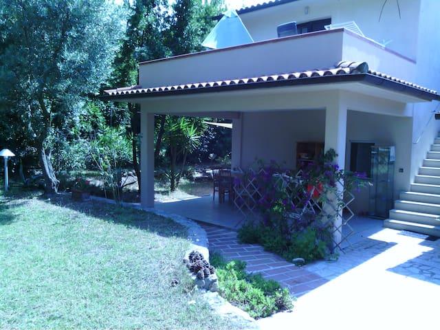 MONOLOCALE IN CASALE CON PISCINA - Bonalaccia-filetto CAMPO NELL'ELBA - Apartamento