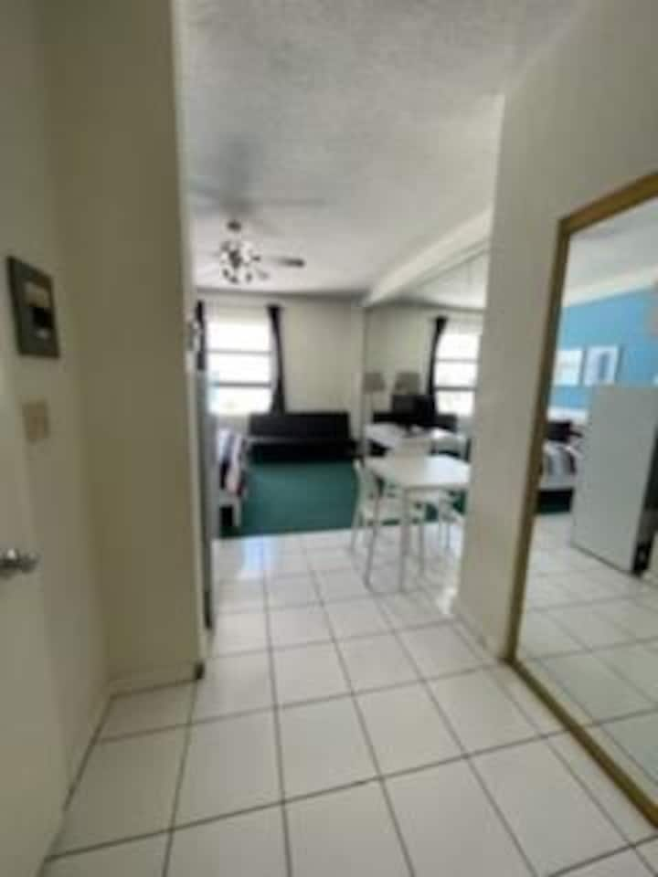 532 BEAUTIFULL OCEANVIEW APT W/PARKING INCLUDED!!