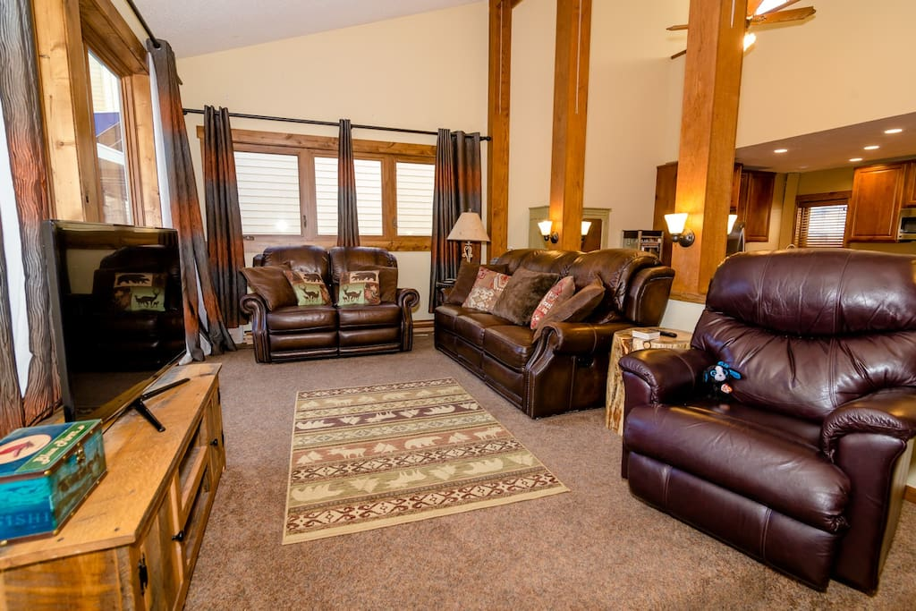 Enjoy cable TV and free WIFI in the condo.
