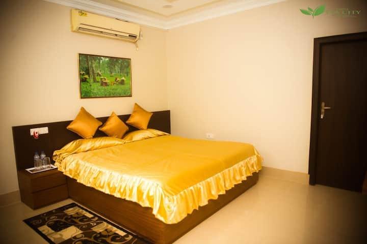 Homestay by Tea City-Luxury Redefined(Majuli Room)