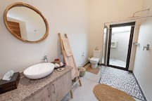 Rooibos Bush Lodge - Second bathroom with inside shower and outside shower