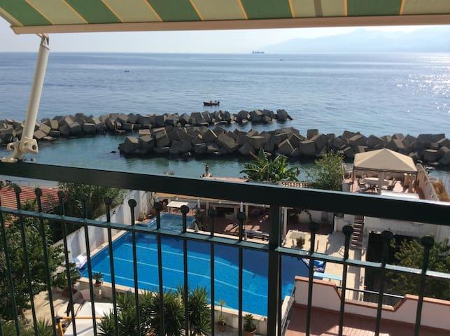 Mansarda in villa sul mare Reggio Calabria